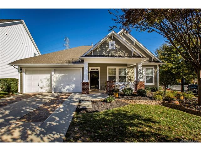 Beautiful home in Cornelius at 18737 the Commons Boulevard